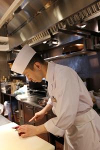 「魚金グループ」の和食業態31店舗で、調理スタッフを募集します。