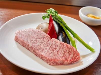 兵庫県産の極上肉や野菜など、地産地消にこだわった食材を用いた料理を提供しています!