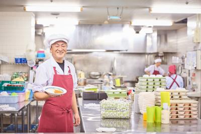 「佐倉<ゆうゆうの里>」「大阪<ゆうゆうの里>」の調理師として働きませんか?