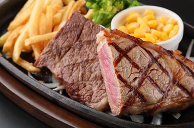 フードコート内にある肉料理専門店で、店長候補を募集!