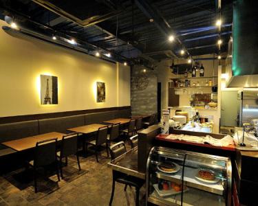 欧風レストラン「Luxe GRANDIR(リュクスグランディール)」にて、ソムリエ候補の募集です!