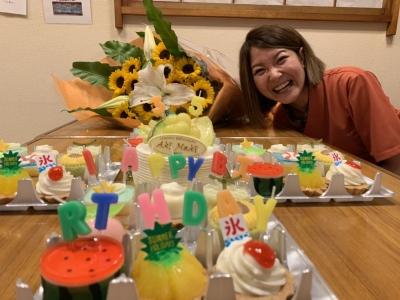お客さまやスタッフの誕生日を一緒にお祝いすることもある、アットホームなお店です