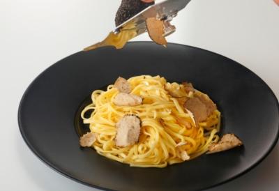 横浜市内、上大岡駅の近くにある一軒家イタリアンレストランで料理長として腕をふるおう◎