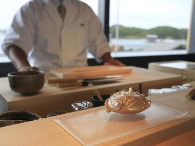伊勢志摩国立公園・英虞湾の中心にある離島「間崎島」にある会員制鮨店でご活躍ください!
