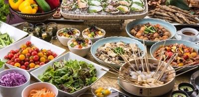 新鮮な海の幸や食の宝庫「茨城」が誇る野菜やフルーツ、上質な牛肉などを中心に、旬の食材を厳選しています
