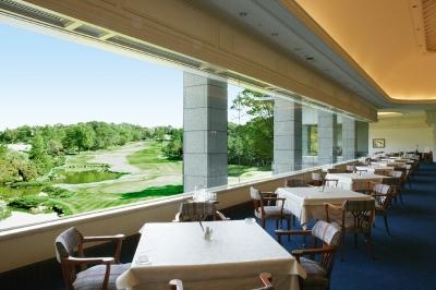 全国139のゴルフ場を運営する安定企業でキャリアアップできます。