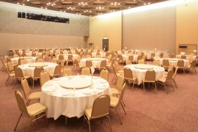 国内外からたくさんのお客様がお見えになる、大型の宴会施設です。