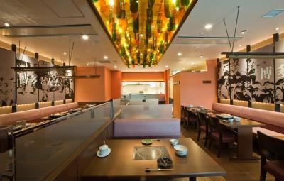 こだわりの食材と秘伝の味が皆様に愛されています。※画像は博多駅店の内観