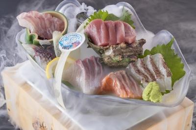 海の幸をふんだんに使った料理などを提供しております! 未経験の方でも大丈夫◎料理の基礎から教えます!