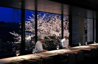 美食を追求するオーベルジュリゾートホテルで、キッチンスタッフとしてご活躍を。