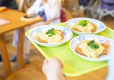 栄養士の実績を食事作りに生かし、入居者様のQOL向上に貢献しませんか?