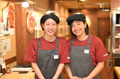 自家製麺の焼きそばを提供する「焼そばセンター」。今後もどんどん店舗展開します。