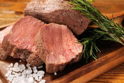 厳選黒毛牛一頭買いにより、さまざまな稀少部位・肉料理をリーズナブルにご提供しています。