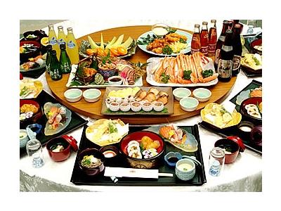 和と洋、二つのタイプの宴会場あり。法要から宴会、各種パーティーの料理もお願いいたします。