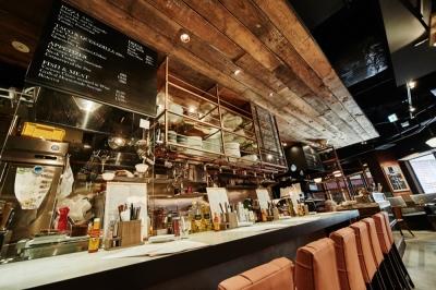 横浜駅から徒歩1分!世界中のクラフトビールを集めたビアレストランです
