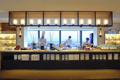 神戸の絶景とともに味わえるブッフェレストランでのお仕事です!
