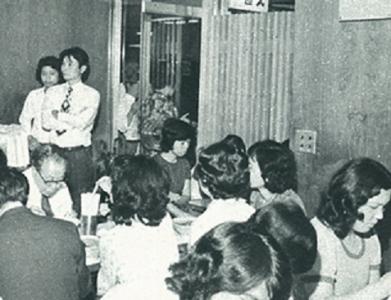 昭和42年に銀座から店舗展開をはじめたブランド。麺とスープは通販もされています!