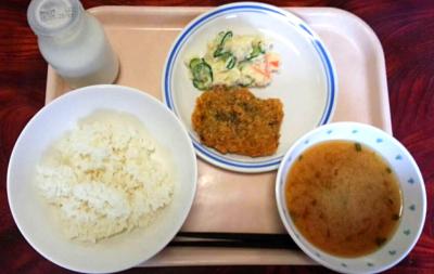 「高井戸駅」より徒歩10分にある小学校の調理業務です