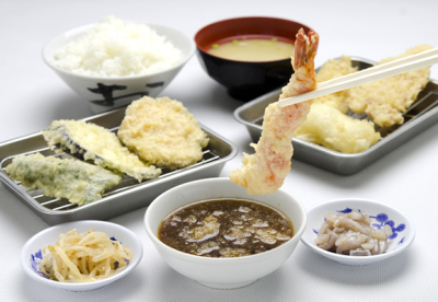 「素材」「安全」「直営」にこだわり天ぷらをご提供いたします。