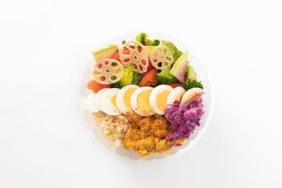 サラダを楽しむカフェで調理をお任せします!