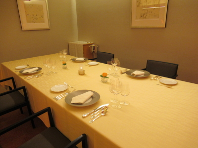 大小様々な個室をご用意。個室は和室と洋室があり、お客様の用途により使い分けています。