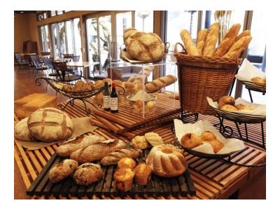 当店の自家製パンは、噛むほどに芳醇な味わいです。