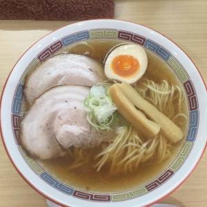 こだわりの自家製麺に、良質の煮干しの出汁が効いた、透明感のあるスープ