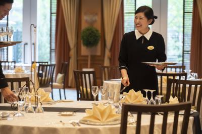 日本を代表する老舗ホテルブランドで、世界に通用するおもてなしスキルを学ぼう!