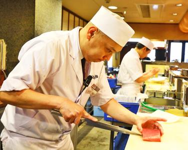 2019年3月中旬には、『廻し鮨 新鮮や』摂津店がオープン。