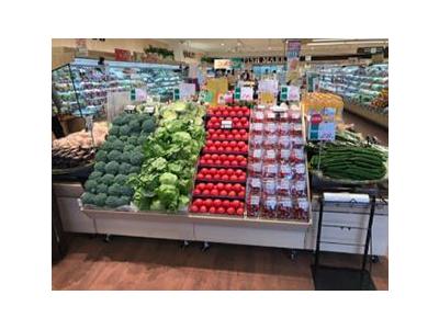 地域のお客さまとの密な関係を大切に、これからも愛され続けるスーパーマーケットを目指します。
