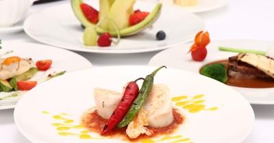 婚礼料理は、和洋折衷・フレンチ・イタリアン・日本料理の4タイプから選べます。