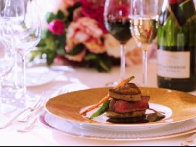 本場フランスや国内の有名ホテルで腕を振るってきた総料理長のもと、さらなるスキルアップを実現!