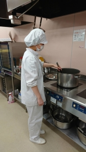 独自の製法により、新しい介護食の開発にも成功。ご利用者様の豊かな食生活をサポートし続けます。
