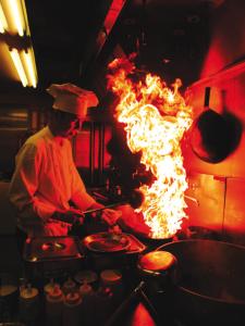 <大丸心斎橋・中国料理店・月給35万>東京で人気のお店が大丸心斎橋店 本館にオープン! 本場の味にこだわった人気の中国料理店のオープニングスタッフ募集です!