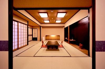 <時給1100円スタート>無資格・未経験から始められる、特別な空間を生み出すおしごとです◎幅広い世代が活躍できる、週2日~/1日3時間~OK★京都駅から徒歩3分