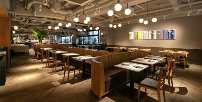まるで海外にいるような、オシャレで開放感のある『MORETHAN 新宿店』( *´艸`)