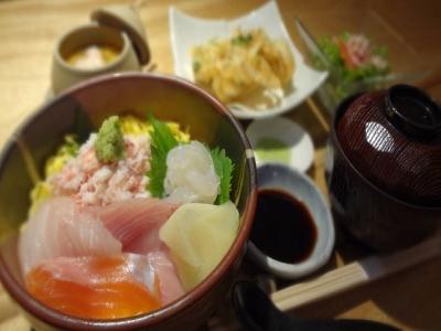 落ち着いた雰囲気の鮮魚居酒屋【きときと 名古屋店】でアルバイト♪