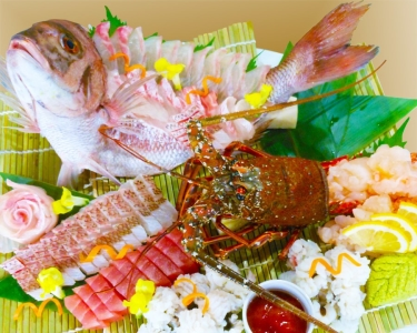 地場漁港や大阪中央市場から直接取り寄せた、鮮度バツグンの魚介を使用。目利き力も身につきます。