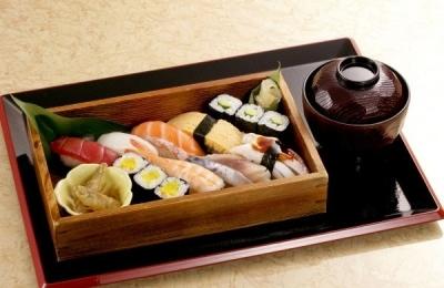 「活気」「技術」「食材」にこだわるグルメ系廻転寿司店。店舗の運営数は西日本でトップクラス!