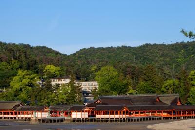 世界遺産 『嚴島神社』 に近いホテルでの勤務。
