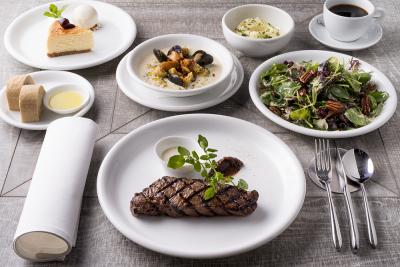 アメリカ料理にイタリアンやフレンチの要素を取り入れたメニューを提供しています。