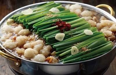 九州産和牛のホルモンや、その時期一番おいしい産地から取り寄せている新鮮野菜を使っています◎