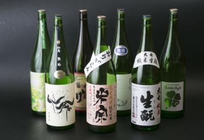厳選した日本酒のほか、焼酎やワインも取り扱う当店で、お酒の知識も身につく◎