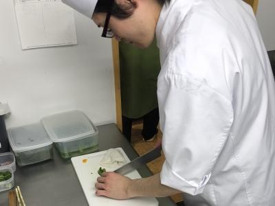 さまざまな調理経験が活かせる業態を運営中。料理人として、そして社会人としての経験を活かせます!