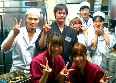 スタッフ同士の仲が良いことも自慢のひとつ◎金沢にある個室居酒屋で働こう。