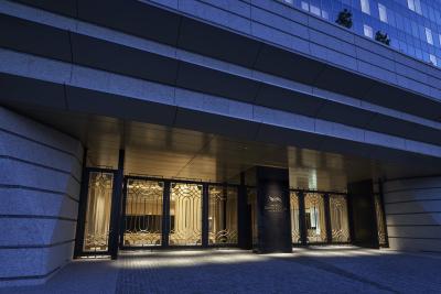 横浜ベイコート倶楽部ゲートです。客室138室の会員制ホテルとなります。