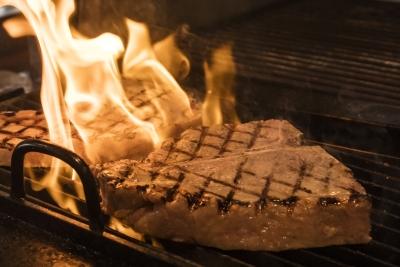 全国の厳選食材を使って、本格的な調理技術を身につけませんか。