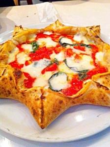 本格窯焼きピッツァなどのイタリア料理が楽しめるイタリアン。