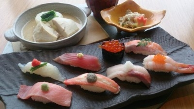 江戸時代から続く「大阪すし」の味をを受け継ぎ、渋谷や横浜のデパートですし職人としてご活躍ください!