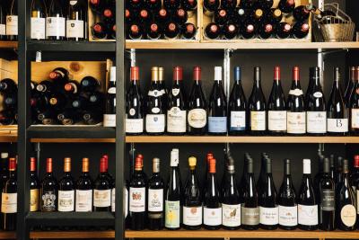 ワインに詳しい方、これから勉強したい方も歓迎!ソムリエ資格の取得も応援します。